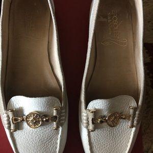 White/Beige Aerosoles Loafers Size 9.